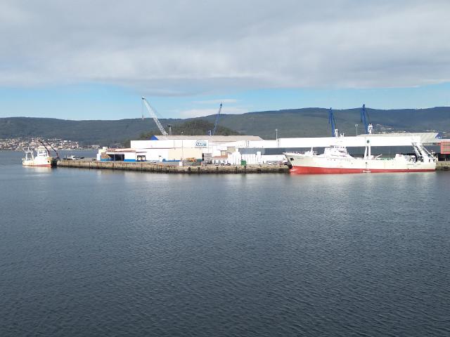 Se intensifica la campaña de descargas de pesca congelada en el Puerto de Marín