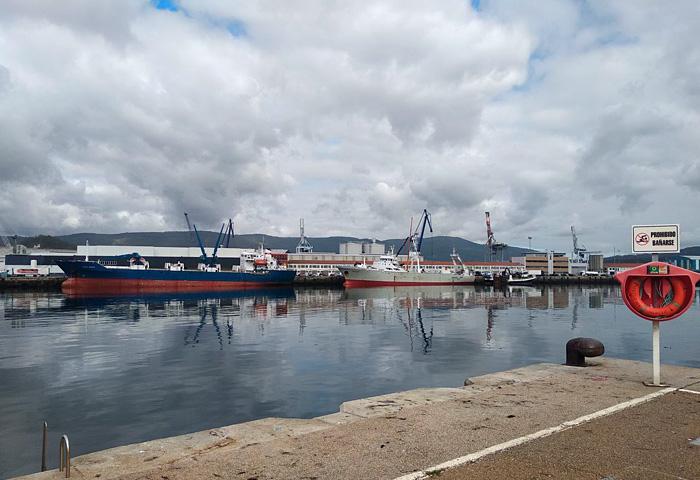 El puerto comienza octubre con nuevas descargas de pesca congelada