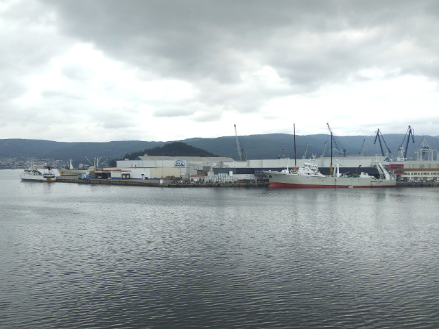 Intensa jornada en el puerto con la coincidencia de ocho mercantes